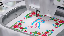 BABY LOCK IQ TECHNOLOGY LARGE EMBROIDERY FIELD